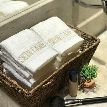 kit 6 toalhas bordadas skin care