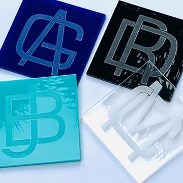 porta-copos com monograma quadrado azul royal