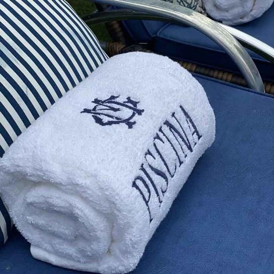 toalha piscina bordada monograma clássico gigante bordada - Buddemeyer